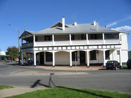 Commonwealth Hotel - Byron Bay Accommodations