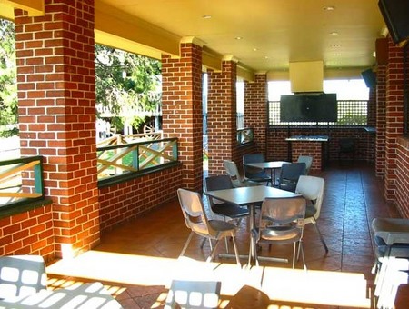 Cobargo Hotel Motel - Byron Bay Accommodations