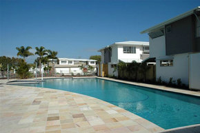 Coolum Villas - Byron Bay Accommodations