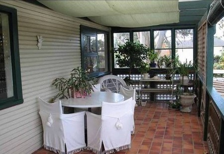 Dural House At Round - Byron Bay Accommodations