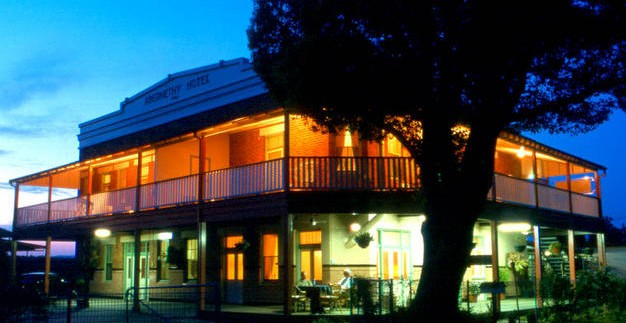 Abernethy Guesthouse - Byron Bay Accommodations