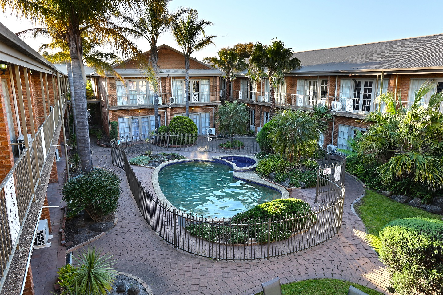 Quality Hotel Melbourne Airport - Byron Bay Accommodations