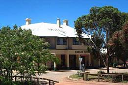 Hawker Hotel Motel - Byron Bay Accommodations