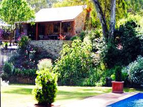 Miners Cottage - Byron Bay Accommodations