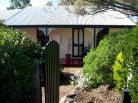 Jasmine's Cottage - Byron Bay Accommodations