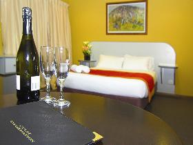 Victoria Hotel - Strathalbyn - Byron Bay Accommodations