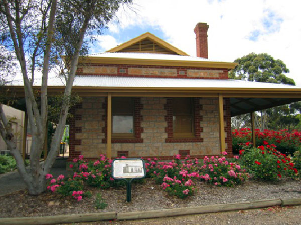 Clydesdale Cottage BB - Byron Bay Accommodations