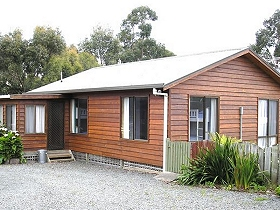 Ebb Tide Guest House - Byron Bay Accommodations