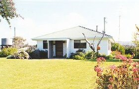 Lisas Cottage - Byron Bay Accommodations