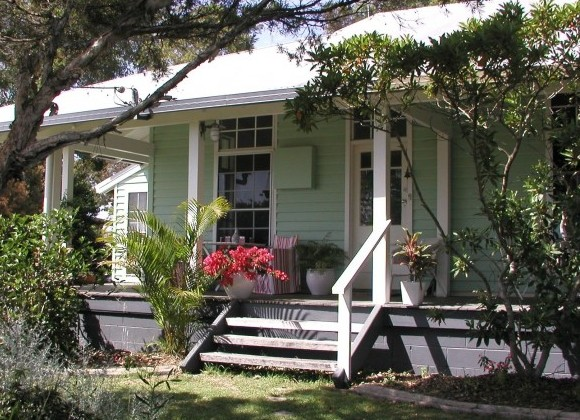 Huskisson Bed  Breakfast - Byron Bay Accommodations