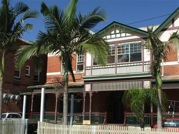 Maclean Hotel - Byron Bay Accommodations