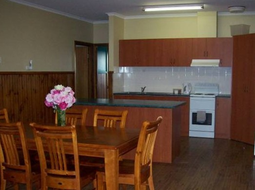 Riverland Holiday Cottage - Byron Bay Accommodations