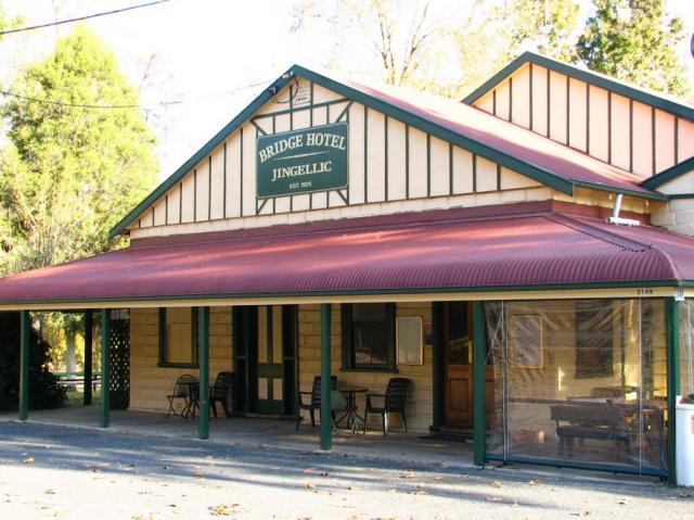 Bridge Hotel at Jingellic - Byron Bay Accommodations