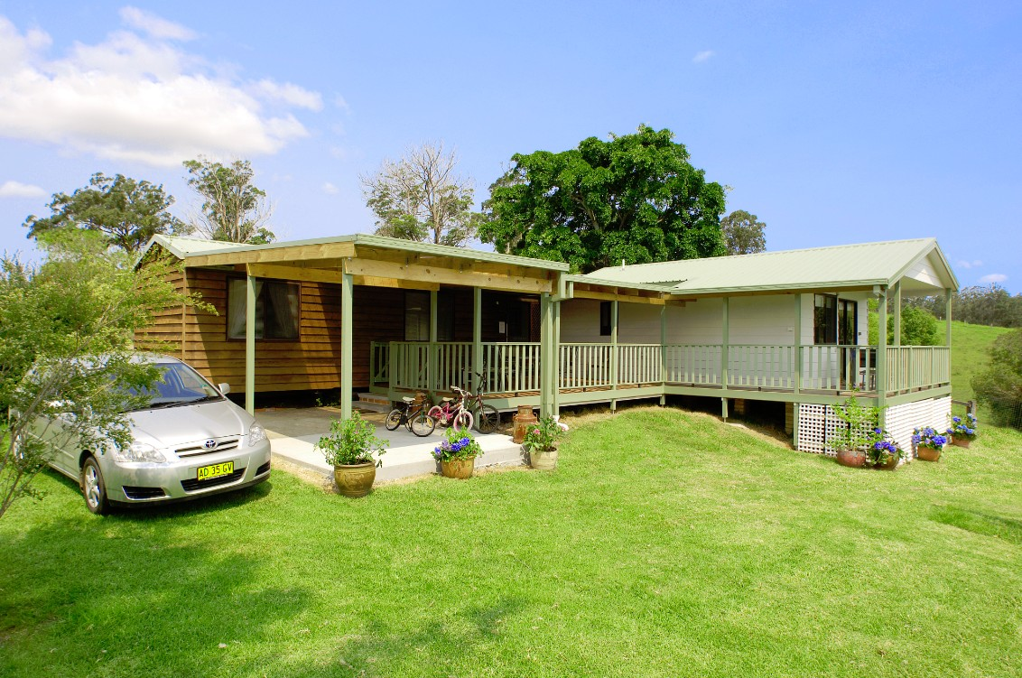 Cedar Grove Farmstay - Byron Bay Accommodations