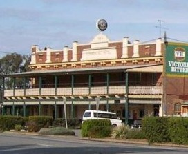 Commercial Hotel Barellan - Byron Bay Accommodations