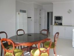 Olas Holiday House - Byron Bay Accommodations