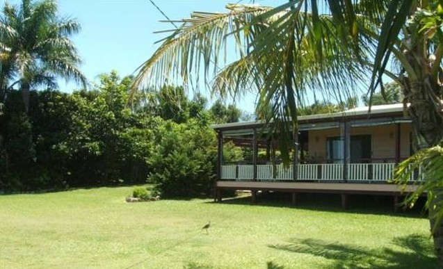 Waterfront Oasis - Byron Bay Accommodations