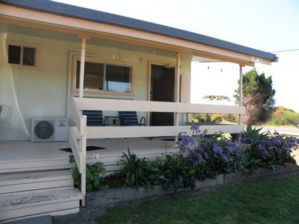 Baudin Budget Units 23 and Cottage - Byron Bay Accommodations