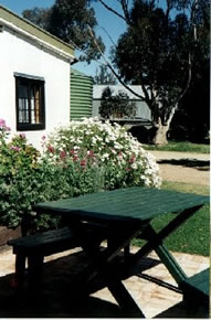 Dunalan Host Farm Cottage - Byron Bay Accommodations
