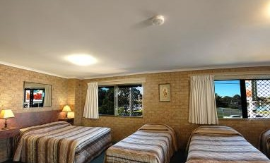 Tweed Harbour Motor Inn - Byron Bay Accommodations