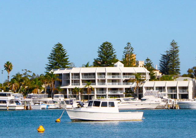 Pier 21 Apartment Hotel Fremantle - Byron Bay Accommodations