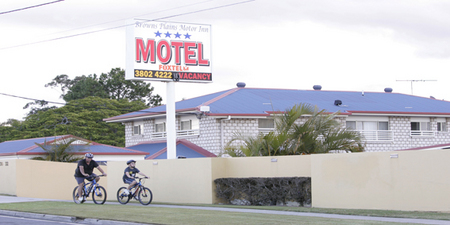 Browns Plains Motor Inn - Byron Bay Accommodations