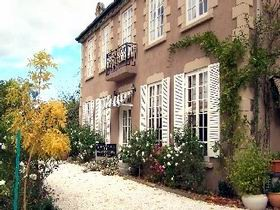 Adelaide Hills Chateau Gardenique Bampb - Byron Bay Accommodations
