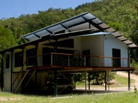 Creek Valley Rainforest Retreat - Byron Bay Accommodations