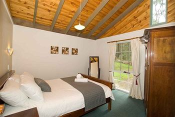 Hill aposNapos Dale Farm Cottages - Byron Bay Accommodations