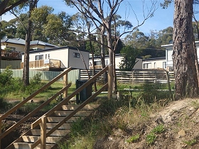 Coningham Beach Holiday Cabins - Byron Bay Accommodations