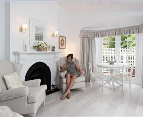 White Dove Cottage Bed and Breakfast - Byron Bay Accommodations