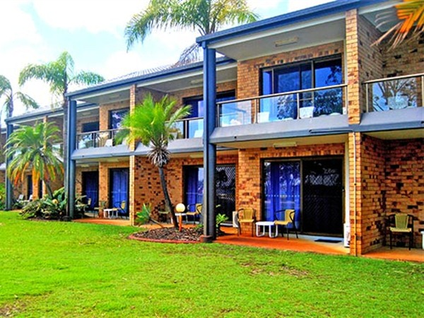 Bribie Waterways Motel - Byron Bay Accommodations