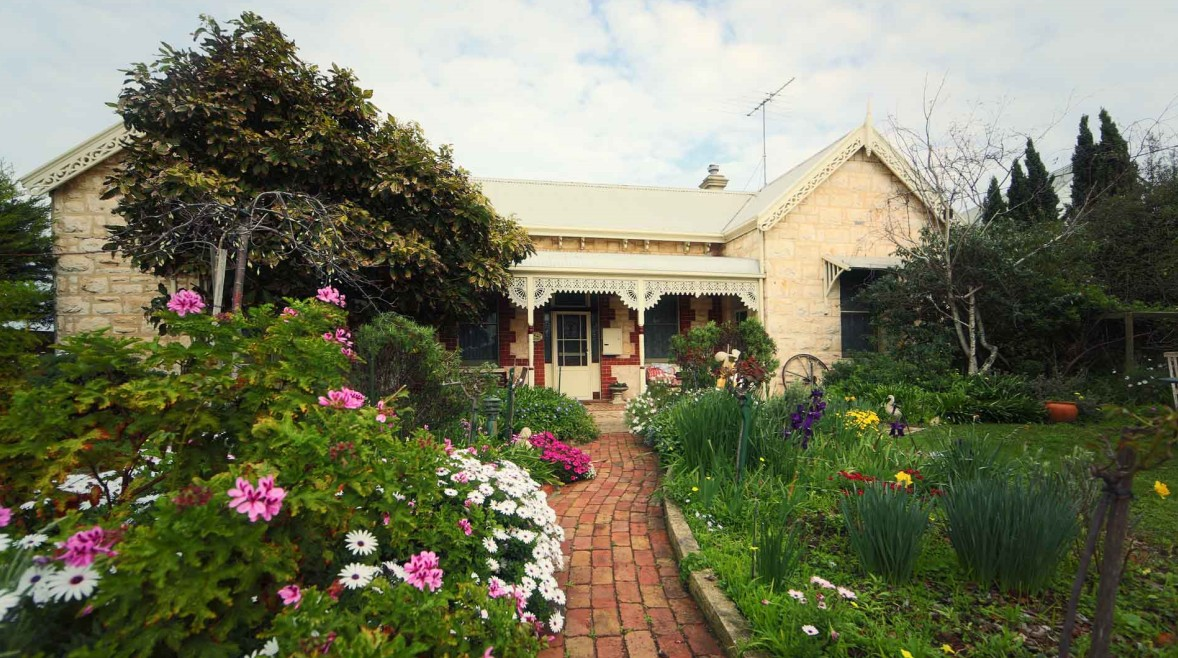 Eastcliff Cottage Sorrento - Byron Bay Accommodations