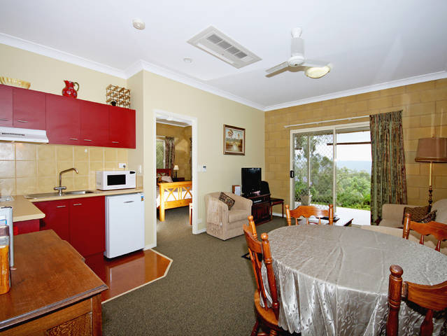 Wallaby Ridge Retreat - Byron Bay Accommodations