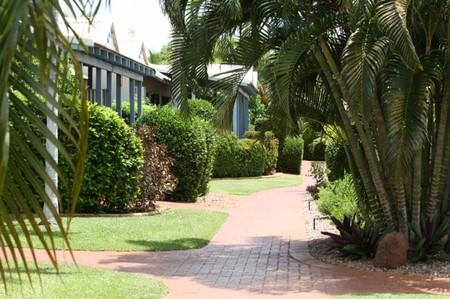 Broome Beach Resort - Byron Bay Accommodations