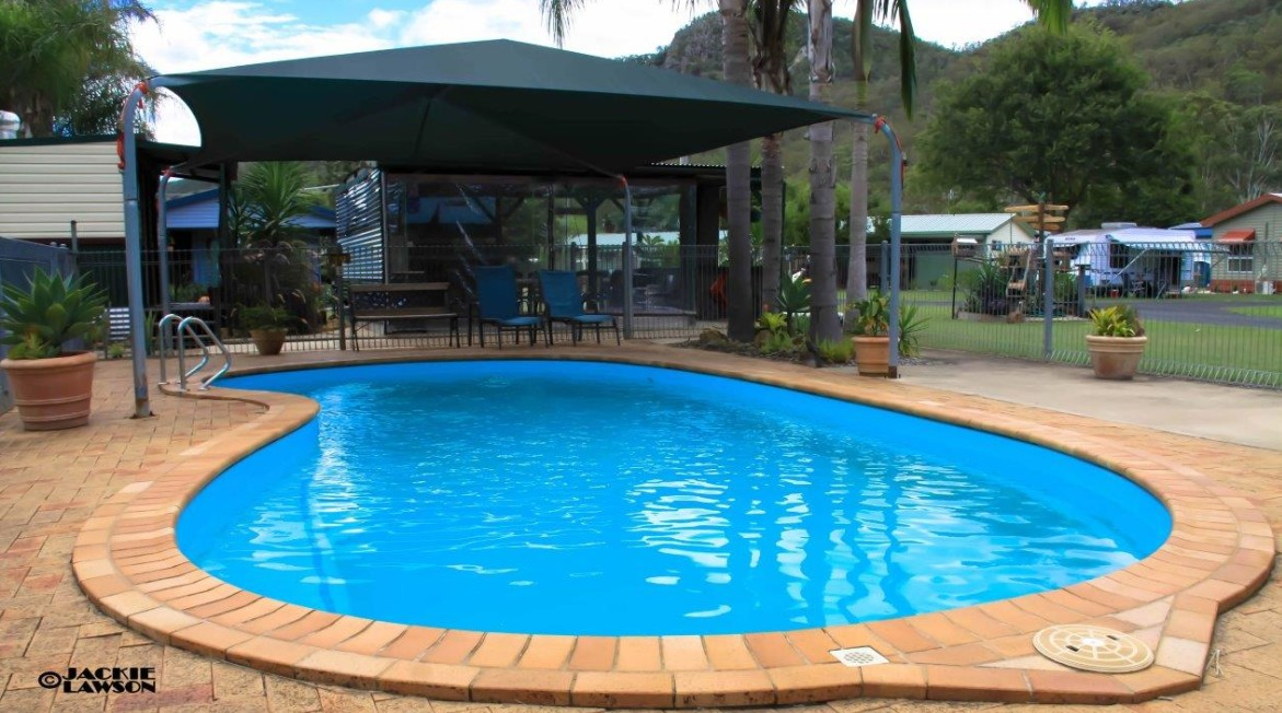 Esk Caravan Park And Rail Trail Motel - Byron Bay Accommodations