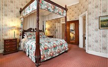 The Old George and Dragon Guesthouse - - Byron Bay Accommodations