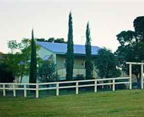Milford Country Cottages - Byron Bay Accommodations
