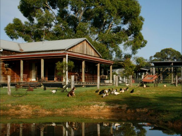 Tobruk Sydney Farm Stay