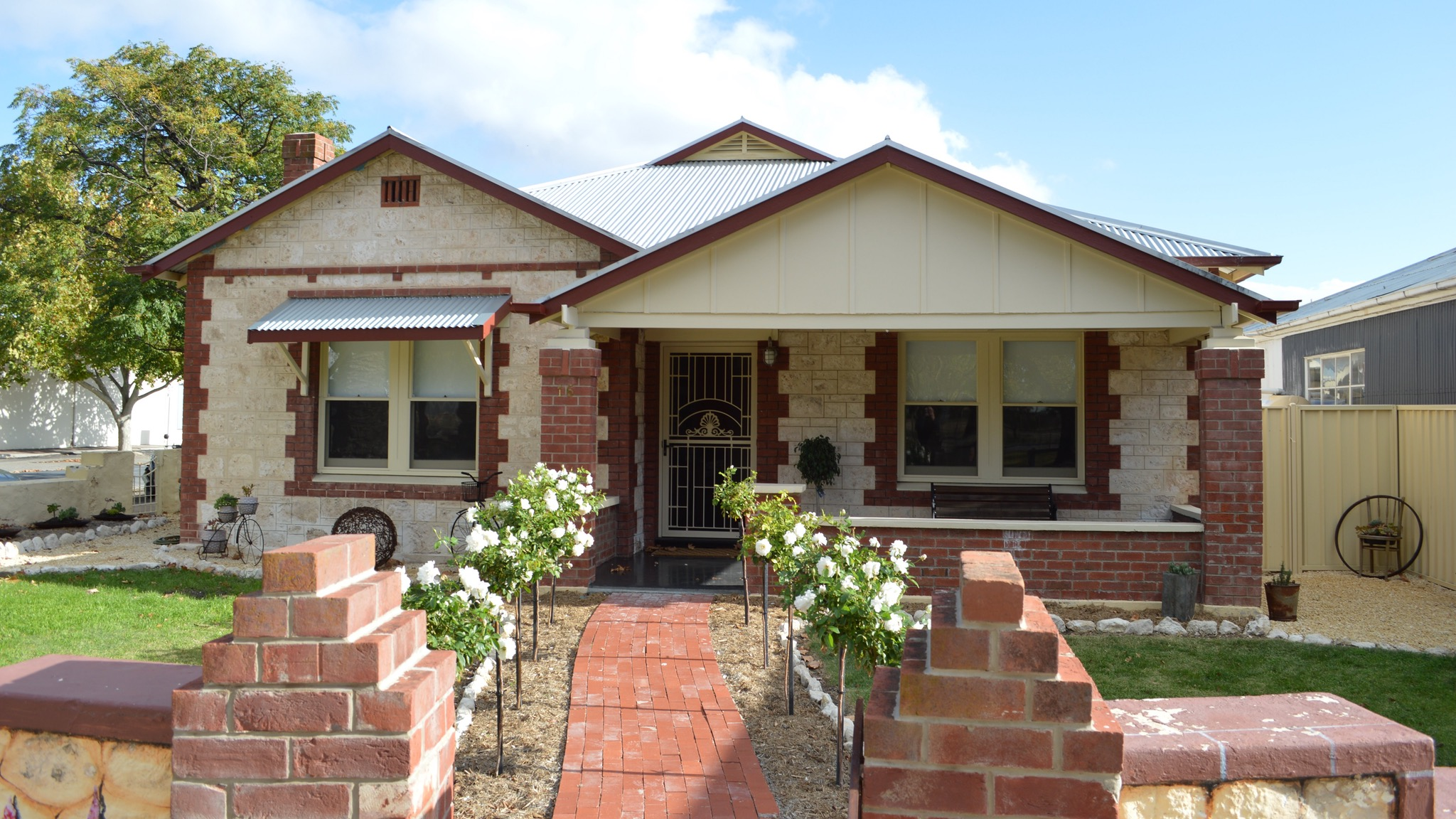 Two Cow Cottage Bed and Breakfast - Byron Bay Accommodations