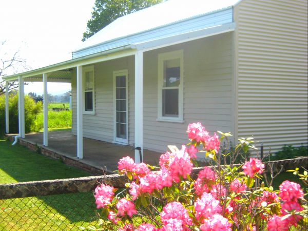 Orange Tree Cottage - Byron Bay Accommodations