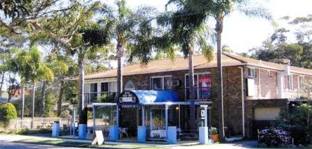 Palm Court Motel - Byron Bay Accommodations