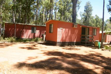 Dwellingup Chalets And Caravan Park - Byron Bay Accommodations