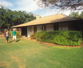 Russ Cottage - Byron Bay Accommodations