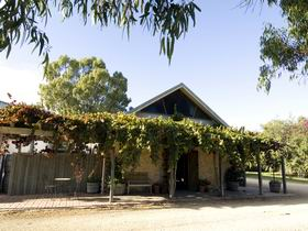 Lake Breeze Wines - Byron Bay Accommodations