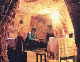 Umoona Opal Mine And Museum - Byron Bay Accommodations