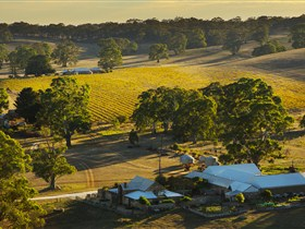 Hutton Vale and Farm Follies - Byron Bay Accommodations