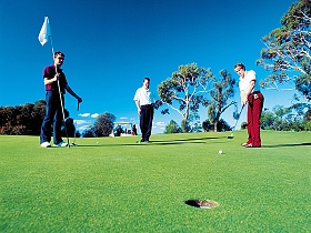 Huon Heights Public Golf Course - Byron Bay Accommodations