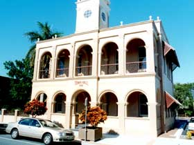 Mackay Town Hall - Byron Bay Accommodations