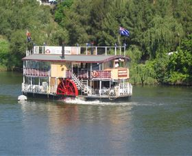 Hawkesbury Paddlewheeler - Byron Bay Accommodations